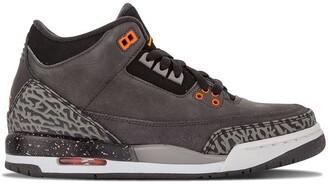Nike Kids TEEN Air Jordan 3 Retro sneakers