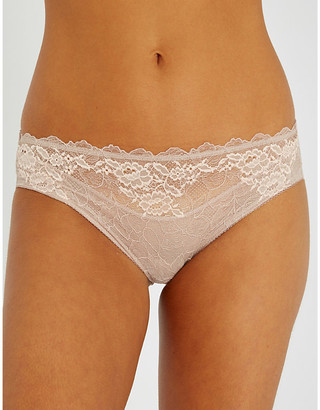 Wacoal Lace Perfection stretch-lace mid-rise briefs