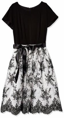 Chetta B Women's Short Sleeve Lace Party Dress