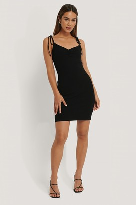 Anika Teller X NA-KD Tie Shoulder Ribbed Jersey Dress