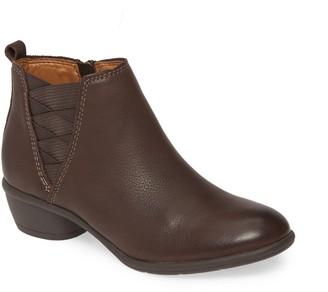 Comfortiva Questa Ankle Boot