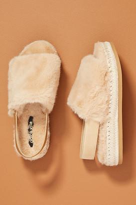 Dolce Vita Keya Faux Fur Slippers By in Beige Size 6