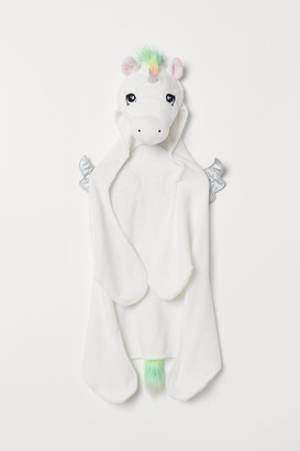 H&M Unicorn cape
