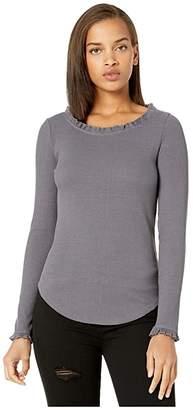 Chaser Cozy Rib Long Sleeve Ruffle Neck Tee (Stingray) Women's Clothing