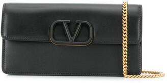 Valentino Garavani VRING wallet on chain