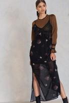 NA-KD Asymmetric Frill Lace Dress