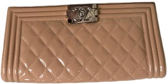 Chanel Boy Beige Patent leather Clutch bags