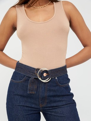 Very Belted Mom Jean - Indigo