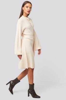 Karo Kauer X NA-KD Tied Waist Knitted Dress