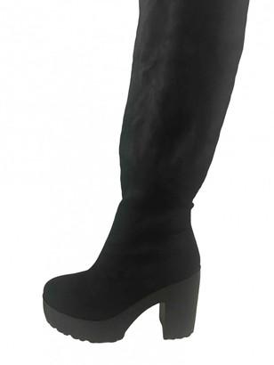 Non Signé / Unsigned Non Signe / Unsigned Black Suede Boots