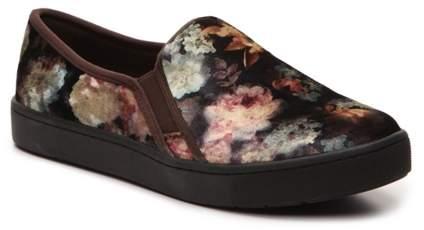 Easy Street Shoes Plaza Slip-On Sneaker