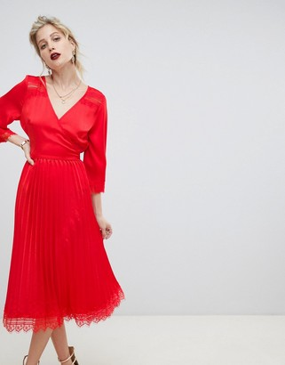 Liquorish pleated skirt midi dress with lace trim-Red