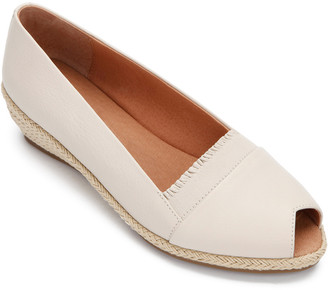 Gentle Souls By Kenneth Cole Luci Ruffle A-Line Leather Flat