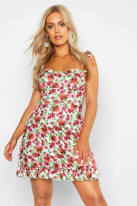 boohoo Plus Floral Ruched Cup Skater Dress