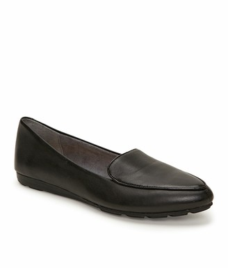 Me Too Anissa Leather Flat Loafer