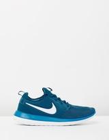 Nike Men's Roshe Two Shoes