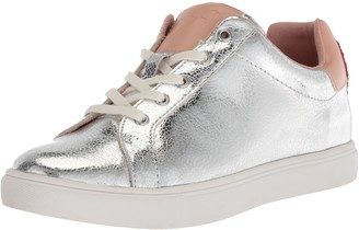 The Fix Amazon Brand Women's Tailor Heart Lace-Up Fashion Sneaker