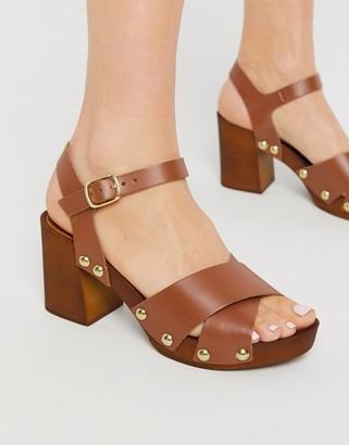 Carvela bolder leather platform sandals in tan
