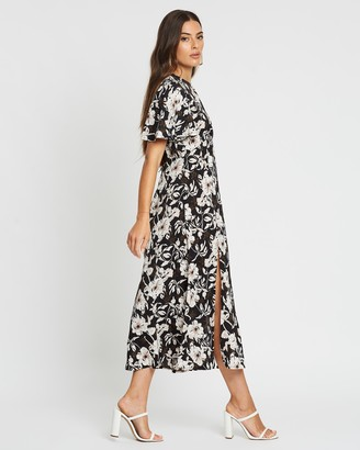 boohoo Large Floral Flutter Sleeve Midaxi Dress