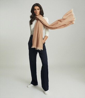 Reiss Victoria - Cashmere Blend Scarf in Camel