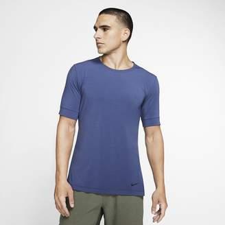 Nike Men's Short-Sleeve Yoga Training Top Dri-FIT