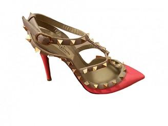 Valentino Rockstud Pink Patent leather Heels
