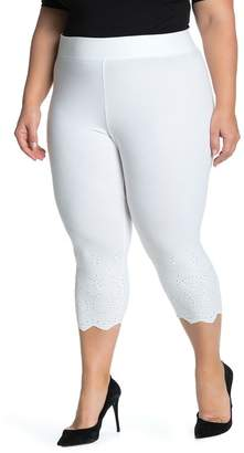 Hue Eyelet Trim Knit Capri Leggings (Plus Size)