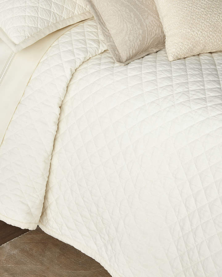Amity Home Dale King Quilt