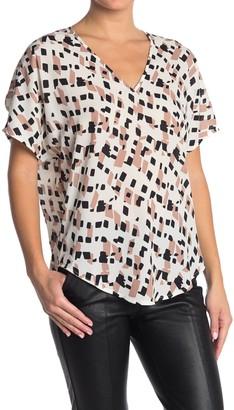 Lush Binding Kimono Sleeve Geometric Tunic Top