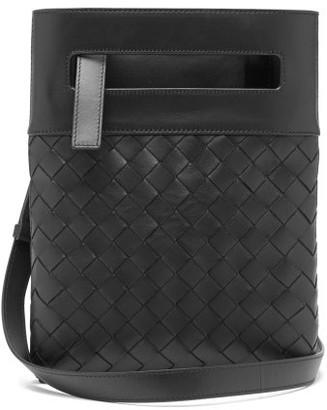 Bottega Veneta Intrecciato Small Leather Cross-body Bag - Mens - Black