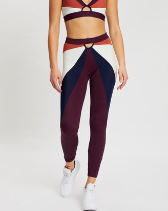Horizon March 17:37 Leggings