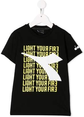 Diadora Junior Light Your Fire print T-shirt
