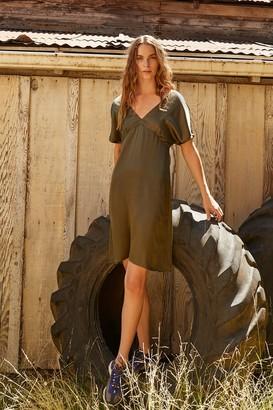 Velvet by Graham & Spencer Valentina Satin Viscose Midi Dress