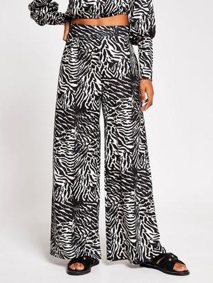 River Island Crinkle Jersey Wide Leg Trouser - Animal Print