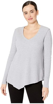 Lilla P Waffle Knit Asymmetrical Hem V-Neck Tee (Heather Grey) Women's Clothing