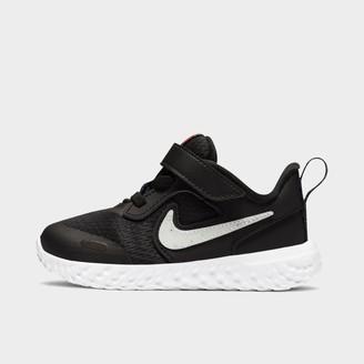 Nike Kids' Toddler Revolution 5 SE Hook-and-Loop Running Shoes