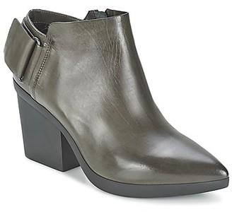VIC REVEBE women's Low Boots in Grey