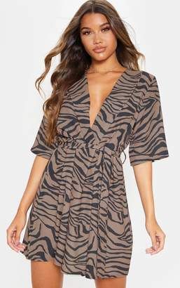 PrettyLittleThing Beige Tiger Print Short Sleeve Tie Waist Tea Dress