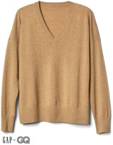 Gap + GQ Ami cashmere oversized V-neck sweater