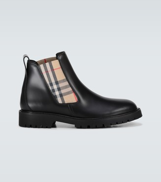 Burberry Allostock checked boots