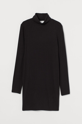 H&M Ribbed Turtleneck Dress