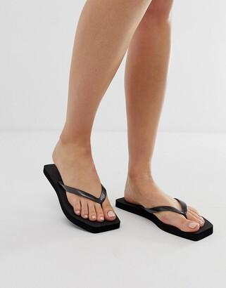 Asos Design DESIGN Fan square toe flip flops in black