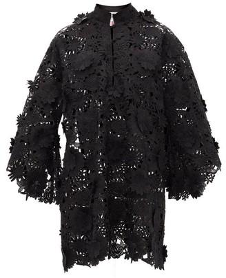 La Vie Style House - Floral Applique Guipure-lace Kaftan - Black