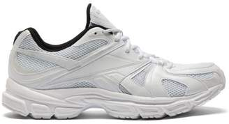 Vetements X Reebok Spike Runner 200 Mesh Trainers - Mens - White