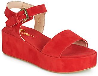 Betty London JIKOTETE women's Sandals in Red