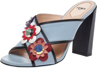 Fendi Grey Leather Flowerland Cross Strap Sandals Size 38.5