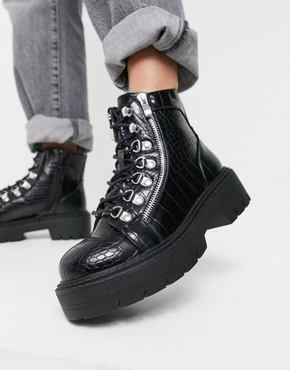 Glamorous chunky hiker boots in black