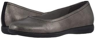 Trotters Darcey (Black) Women's Flat Shoes