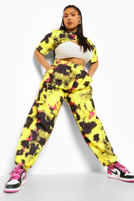 boohoo Plus Tie Dye Cut Out Crop Top And Jogger Set