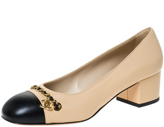 Chanel Beige/Black Leather Chain Detail Cap Toe Pumps Size 39